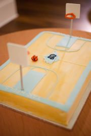 Tar Heels cake for any occassion Basketball Party, Basketball Birthday, Basketball Cakes, Basketball Court, Tar Heels, Diy Cake, Cute Cakes, Amazing Cakes, Savannah Chat