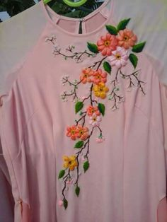 Ribbon Embroidery Tutorial, Border Embroidery Designs, Kurti Embroidery Design, Embroidery Motifs, Silk Ribbon Embroidery, Embroidery Applique, Floral Embroidery, Ribbon Art, Ribbon Crafts