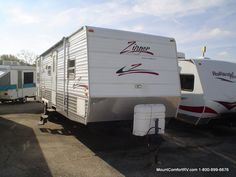 Check out this 2006 Crossroads Zingers 300BH listing in Greenfield, IN 46140 on RVtrader.com. It is a Travel Trailer and is for sale at $10780.
