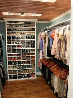 I dream to have a closet with this much space and organization one day
