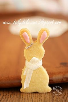 How to make this adorable Bunny Shortbread Cookie