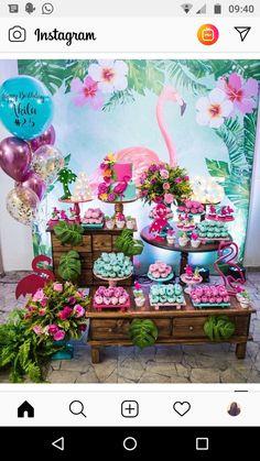 Fiesta Hawaiana 🌺 Flamingo Party, Flamingo Birthday, Luau Birthday, Birthday Parties, Aloha Party, Luau Party, Hawaiian Theme, Deco Table, Birthday Party Decorations