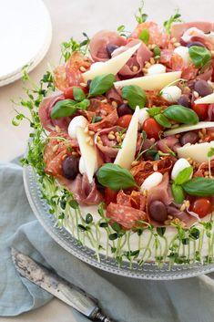 Italiensk smörgåstårta | Brinken bakar Cake Sandwich, Sandwiches, Scandinavian Food, Some Recipe, Savoury Cake, Chutney, I Foods, Food Inspiration, Cobb Salad