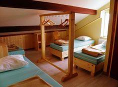 11 chambres, de 4 à 6 lits, accessibles aux personnes en situation de handicap, avec sanitaires adaptés, modulables et privatisables