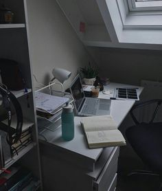 Office Organization At Work Study Areas, Study Space, Study Desk, Desk Space, Study Corner, Study Organization, Aesthetic Rooms, Study Motivation, My New Room
