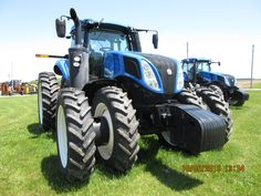 Front of New Holland T8.435