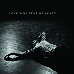 Joy division tiene mejores canciones que Love will tear us apart. ¡he dicho! Joy Division, 80s Music, Music Love, Kinds Of Music, Ian Curtis, Billy Idol, Paul Banks, Fallout Boy, Sum 41