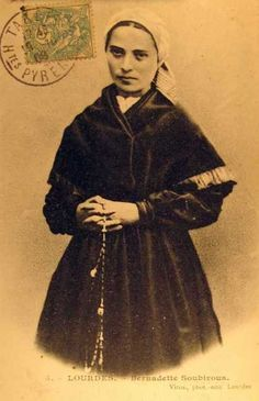 St Bernadette Ste Bernadette, St Bernadette Of Lourdes, St Bernadette Soubirous, Religious Images, Religious Art, Vintage Holy Cards, Vintage Postcards, Incorruptible Saints, Juan Xxiii