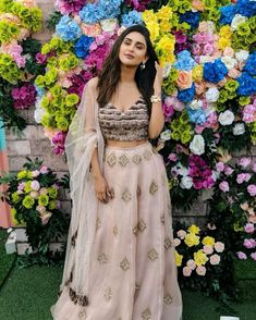 Krystal Dsouza, Tv Actress Images, Ethnic Trends, Mehendi Outfits, Bridal Lehenga, Lehenga Choli, Lehenga Blouse, Stylish Girls Photos, Lehenga Designs