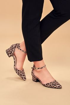 Shop chic black pumps at Lulus. Slay any occasion casual to formal with a pair of the newest and cutest pumps from the coveted Lulus label. High Heel Pumps, Platform Pumps, Women's Pumps, Pump Shoes, Womens Golf Shoes, Womens High Heels, Womens Flats, Cute Pumps, Cute High Heels