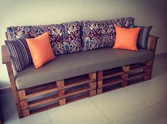 Easy pallet ideas is your free source of pallet furniture ideas and diy pallet projects made from recycled, upcycled or reclaimed wooden pallets! Wooden Pallet Projects, Wooden Pallet Furniture, Wood Pallets, Home Furniture, Furniture Ideas, 1001 Pallets, Recycled Pallets, Outdoor Furniture, Antique Furniture