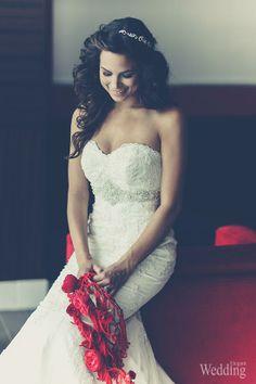 Gown by: Ferre Sposa | Purple Tree Photography hairrrrrr