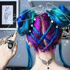 33 Rustic Halloween Hair Style Ideas That Will Amaze You Braided Space Buns, Pelo Multicolor, Pretty Hair Color, Neon Hair, Aesthetic Hair, Aesthetic Fashion, Hair Dye Colors, Pretty Hairstyles, Hairstyles Videos