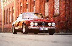1972 Alfa Romeo GTV 2000 Euro Spec ($48,500) - Petrolicious