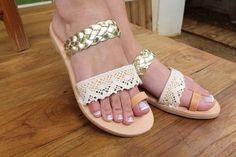 Chaussures de mariage. Sandales en cuir de mariée. Chaussures
