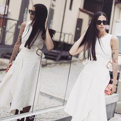 Beautiful Gilda Ambrosio during #PittiUomo #SS16 Fashionweek. #catchatrend #streetstyle #fashionweek #florence #menswear #white