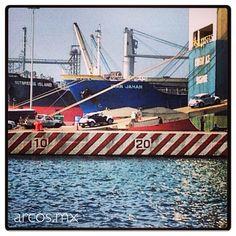 #Veracruz cuenta con el puerto comercial más importante de #México. #realestate #bienesraices #port #beetle #volkswagen