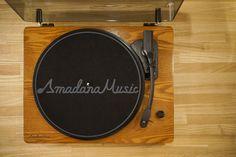 amadana社製アナログレコードプレイヤー 画像