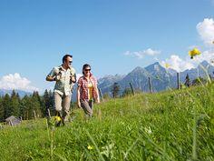 Die Natur erwacht schön langsam aus ihrem Winterschlaf - der Frühling ist da! ☀ Verbringen Sie genussvolle und sportliche Frühlingsmomente in Vorarlberg, mit dem Wanderfrühling im Brandnertal. Bereits ab € 141,- p.P. Mehr Informationen finden Sie hier: http://www.vorarlberg-alpenregion.at/brandnertal/zimmer-brandnertal/pauschalen-angebote/wanderfruehling/