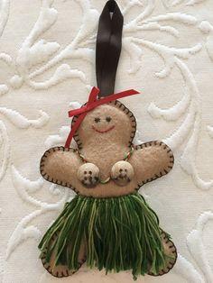 Felt crafts, felt ornament, gingerbread felt, gingerbread girl, gingerbread woman, gingerbread man, beach Christmas, Hawaii, hula, aloha, made by Janis