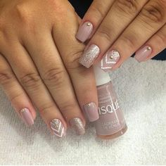 No hay texto alternativo automático disponible. Acrylic Nail Designs, Nail Art Designs, Acrylic Nails, Nude Nails, Glitter Nails, Top Nail, Nail Arts, Manicure And Pedicure, Nail Inspo