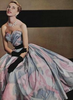 Pierre Balmain, 1953. /lnemnyi/lilllyy66/ Find more inspiration here: http://weheartit.com/nemenyilili/collections/22262382-like-a-lady