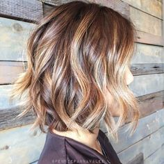 40 Hottest Bob Hairstyles & Haircuts 2020 - inverted, Lob, ombre, balayage Wavy+Curly+Bob+Hairstyles+for+Women Brown Hair With Highlights And Lowlights, Hair Highlights, Caramel Highlights, Chunky Highlights, Color Highlights, Caramel Color, Highlight And Lowlights, Brown Balayage Bob, Hair Colors