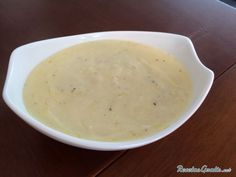 Aprende a preparar salsa blanca para pescados con esta rica y fácil receta.  Esta salsa blanca está llena de sabor y aroma, es ideal para consumir con pescados...
