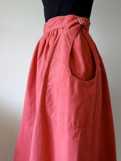 1980s Cotton & Linen Full Skirt with Tear-Drop Patch Pockets / Vintage Fashion. $34.00, via Etsy.