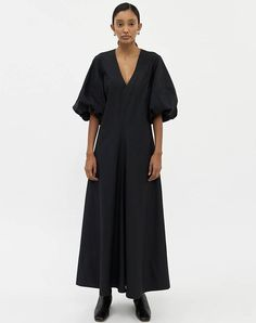 These 15 Pieces from Need Supply Co. Are Guaranteed to Upgrade Your Wardrobe These 15 Pieces from Need Supply Co. Are Guaranteed to Upgrade Your Wardrobe Chic Fall Fashion, Fall Fashion Trends, Need Supply Co, Latest Fashion For Women, Womens Fashion, Shearling Jacket, Women Lifestyle, Wide Leg Pants, Short Sleeve Dresses