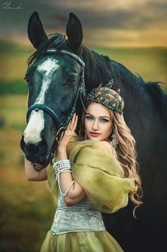 Gorgeous woman and her horse – Art Of Equitation Pretty Horses, Horse Love, Beautiful Horses, Animals Beautiful, Horse Girl Photography, Fantasy Photography, Equine Photography, Horse Photos, Horse Pictures