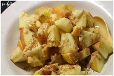 Petra eröffnete den Vegan Wednesday mit einem Frühstück aus Apfel und Mandelmus mit Zimt, was für eine geniale Kombi dass ich da nicht selbst drauf gekommen bin!