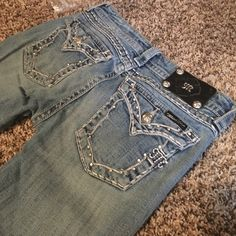 I just discovered this while shopping on Poshmark: MissMe jeans. Check it out!  Size: 28