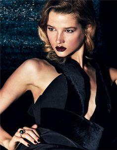 LESSONS OF BEAUTY: Femme fatale [Giorgio #Armani dress]
