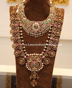 Spectacular kundan bridal necklace and grand kundan bottu haram with peacock motifs, lined with pearls from Manjula jewels, Hyderabad Indian Bridal Jewelry Sets, Indian Jewelry, Long Pearl Necklaces, Stylish Jewelry, Schmuck Design, Jewelry Design, Gold Jewellery, Bridal Jewellery, Bridal Necklace