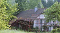 dachsanierung eines mansarddachs mit der dachplatte in braun sanierung mit prefa pinterest. Black Bedroom Furniture Sets. Home Design Ideas