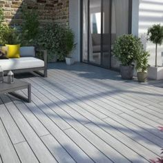 Silvadec is leader on the composite wood fabrication market. Build a composite wood deck, cladding, fence or balustrade Pvc Decking, Composite Decking, Lame Composite, Decking Boards, Composite Board, Ushuaia, Patio, Backyard, Deck Flooring
