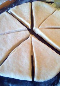 ΜΑΓΕΙΡΙΚΗ ΚΑΙ ΣΥΝΤΑΓΕΣ 2: Τυροπιτάκια !!! Pie, Desserts, Blog, Torte, Tailgate Desserts, Cake, Deserts, Fruit Pie, Pies