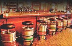 Resultado de imagem para mesas e bancos de bar