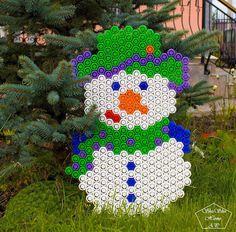 Большой снеговик, из фрутокрышек, на ещё зелёной, октябрьской травке  Будем копить идеи, к Новому Году, тут ➡️ #НГ_фрутокрышка_ShuShuHome_AP ⛄️⛄️⛄️ Полное собрание наших поделок из фрутокрышек ➡️ #фрутокрышка_от_shushuhome_ap  Welkome  #снеговиксвоимируками #снеговик #снеговик⛄ #снег #фрутоняня #фрутокрышки #поделки #новыйгод2018 #поделкикновомугоду #новогодниеигрушки #новогодниеукрашения #декоркновомугоду #новогоднийдекор #хендмейд #спб #москва #фрутокрышкисхемы #схемыдляфрутокрышек