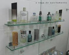 Resultados da Pesquisa de imagens do Google para http://asagadoapartamento.files.wordpress.com/2012/10/colecao-de-perfumes-prateleira-de-vidro.jpg