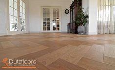 Europees eiken visgraat vloer met een toplaag van 4mm dik. Deze visgraat vloer kan perfect gelegd worden in combinatie met vloerverwarming. Afmeting van de planken is 14x56.