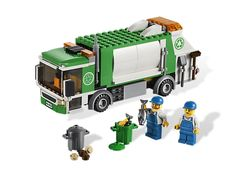 Take away the LEGO® City trash with the Garbage Truck!