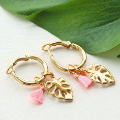 Trendy earrings and bracelets with mini tassels, DQ European metal charms and lobster clasps How To Make Earrings, Diy Earrings, Tassel Jewelry, Diy Jewelry, Handmade Bracelets, Beaded Bracelets, Sister Jewelry, Wholesale Beads, Beautiful Earrings