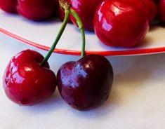 Domáci čučoriedkový koláč - Receptik.sk Cherry, Fruit, Food, Basket, Essen, Meals, Prunus, Yemek, Eten