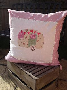 zoom_23_10_10_dog_cushion_030 by Faerie Nuff, via Flickr