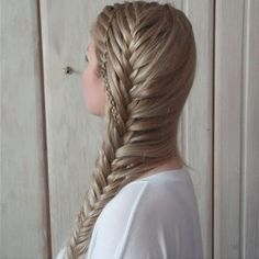 Amazing side braid combo from kathi_durinson. Braids For Short Hair, Short Hair Styles, Pretty Hairstyles, Braided Hairstyles, French Twist Hair, French Fishtail, Playing With Hair, Beautiful Braids, Great Hair