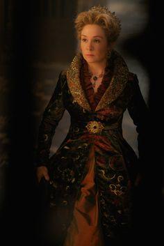 Reign - queen Catherine