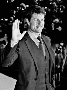 Tom Cruise Photos Photos - (Editors Note: This image was processed using digital filters) Actor Tom Cruise attends the 'Oblivion' UK film premiere at the BFI IMAX on April 4, 2013 in London, England. - 'Oblivion' London Premiere