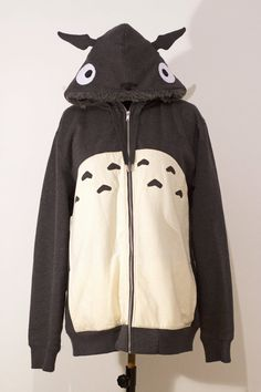 OTAKool: Hooded full zip sweatshirt inspired by TOTORO. Made on demand! Totoro, Anime Merchandise, Japanese Culture, Hoods, Geek Fashion, Womens Fashion, Couture, Windbreaker, Sweatshirts